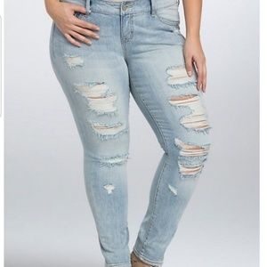 Torrid Distressed Skinny Jeans Sz. 26